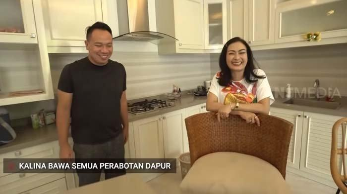 Iis Dahlia Tertawa Kalina Angkut Peralatan Dapur dari Rumah Vicky 'Namanya Juga Teh Lady Castle'