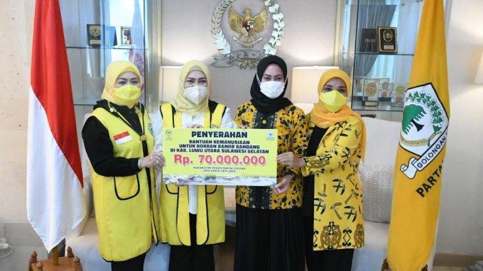 Ikatan Istri Fraksi Partai Golkar DPR RI Bantu Korban Banjir Bandang Luwu Utara Rp 70 Juta