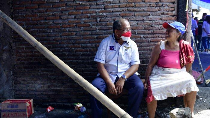 Momen 10 Muharram, Ilham Arief Sirajuddin dan Aliyah Mustika Ilham Bagikan Sembako