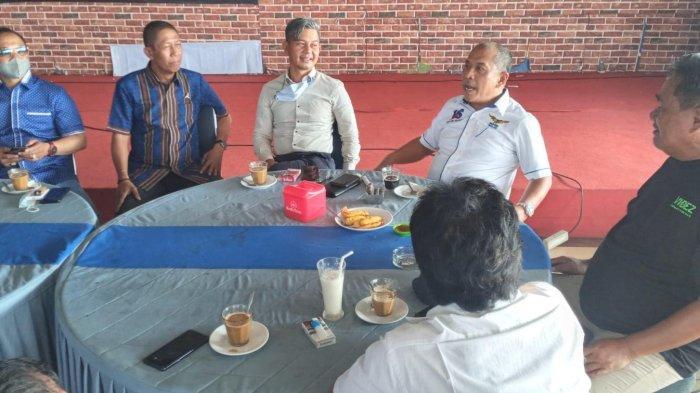 Asa Pimpin Demokrat Sulsel, Ilham Arief Sirajuddin Bareng Pendukung Minta Restu Reza Ali