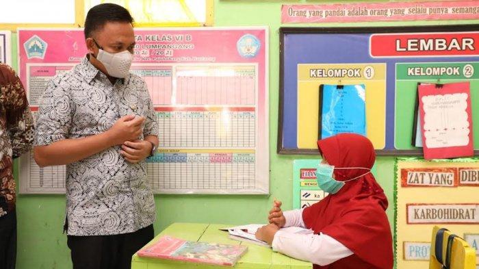 Zona Merah Covid-19, PTM di Tompobulu Bantaeng Dihentikan, Iksan Ancam Pejabat yang Tolak Divaksin
