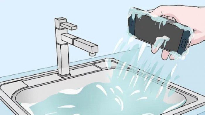 CARA Keringkan & Perbaiki HP Basah Nyemplung ke Air, Salah Satunya Beras