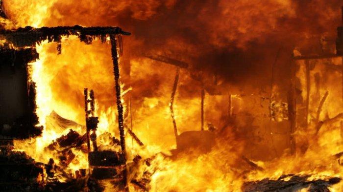 Kebakaran di Desa Karelayu Jeneponto, Rumah dan Isinya Ludes