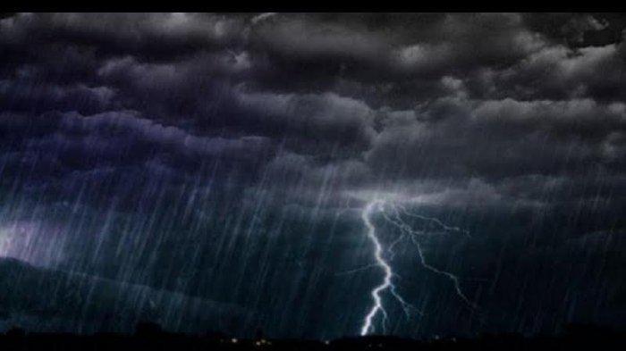 Waspada! Peringatan Dini BMKG: Besok, Hujan Lebat Disertai Petir Landa Sejumlah Wilayah Sulsel