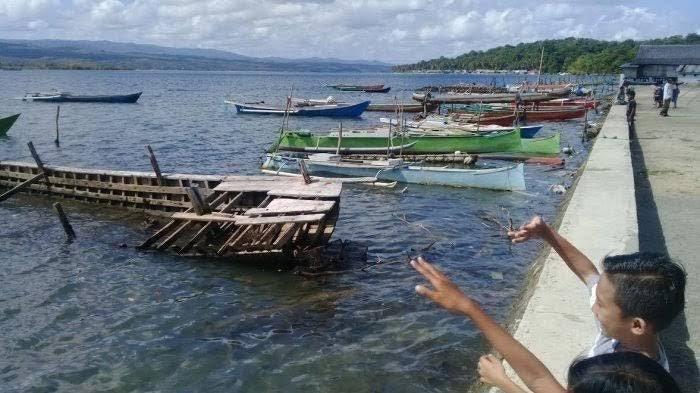 4 Rumah Warga Desa Menara Indah Selayar Terendam Air Rob