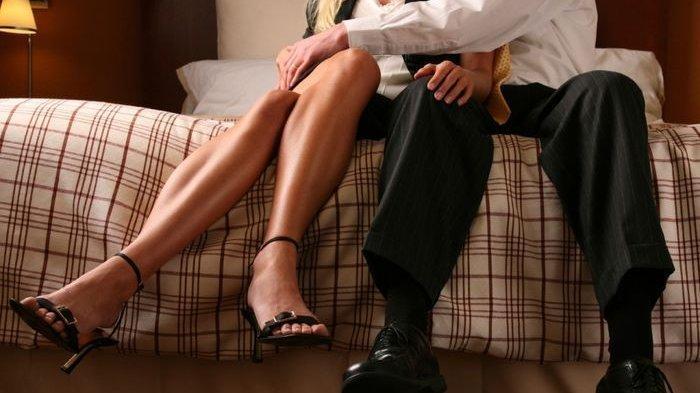 Pergoki Suami Bercumbu dengan Wanita Lain, Sang Istri Justru Jual ke Pelakor dengan Harga 17 Dollar