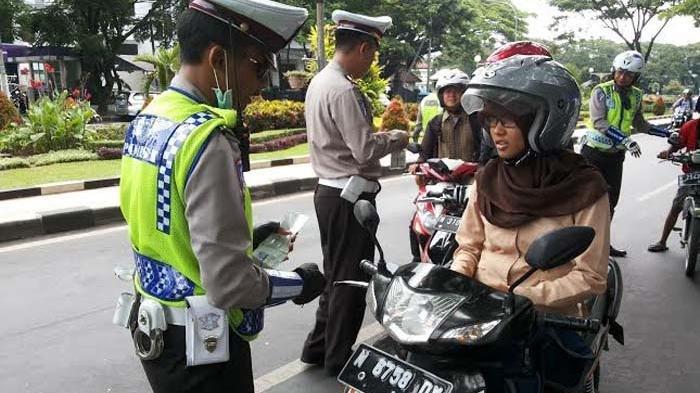Operasi Patuh - Polantas se-Indonesia Sweeping Besar-besaran Mulai Hari Ini, Sasar Pemakai HP