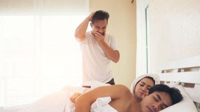 Abaikan Peringatan Suami, Ibu Muda Tetap Asyik Main Ranjang Bareng Pria Lain hingga Kehabisan Napas