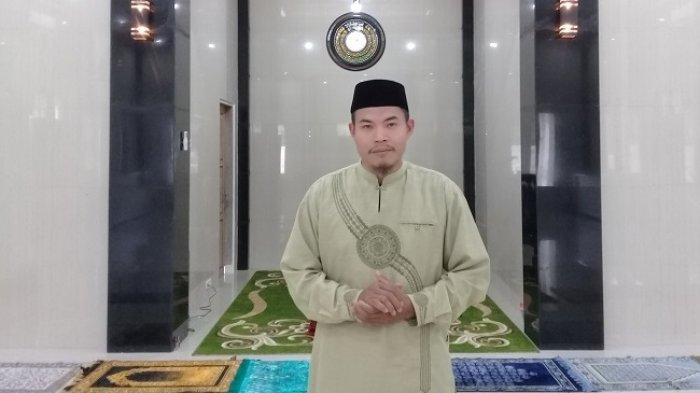 Miliki Suara Merdu Bak Imam Masjidil Haram, Lulusan IAIM Sinjai Jadi Imam Salat Tarawih Masjid Fajar