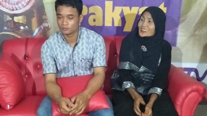 Pernikahannya Viral, Pasangan Brondong dan Janda 65 Tahun di Sidrap Jadi Bintang Tamu TV Lokal