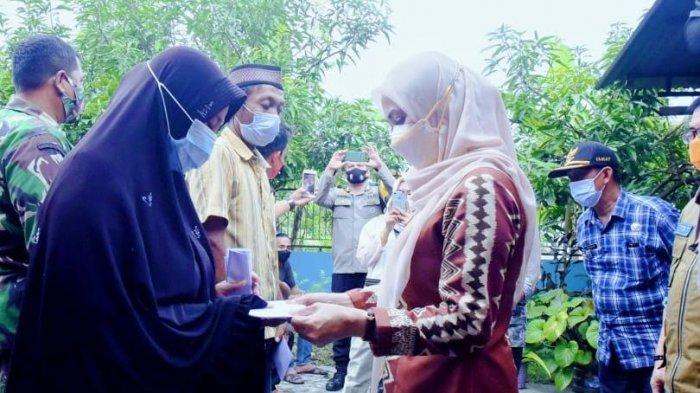 25 KK Warga Sukarya Luwu Utara Terima Bantuan Bencana Angin Puting Beliung, Nilainya Rp33 Juta Lebih