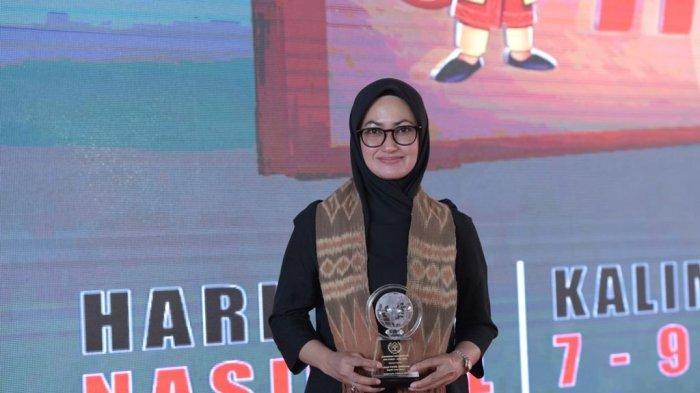 Disaksikan Presiden, Indah Putri Indriani Terima Penghargaan Anugerah Kebudayaan PWI Pusat