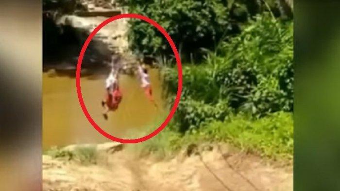 Banyak yang Iba, Ternyata Ini Kejadian Sebenarnya Video 3 Siswa SD Bergelantungan Menyeberang Sungai