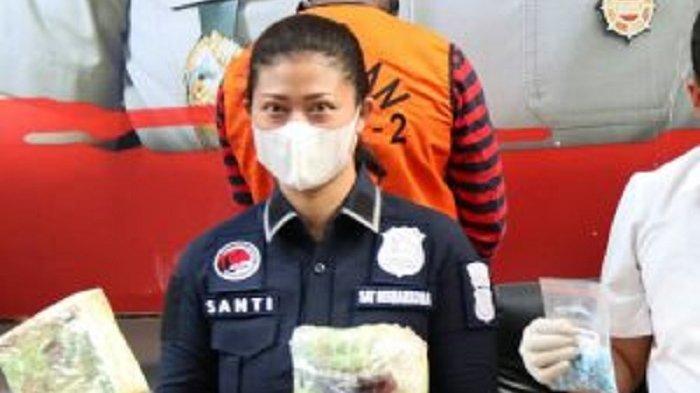 Iptu Santi Pembongkar Sabu Senilai Rp 400 M Polisi Garang, Malam Jadi Ibu Rumah Tangga Urus Anak