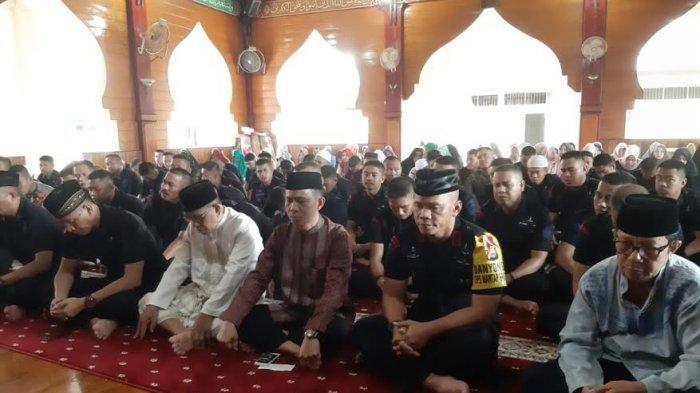 Jajaran Batalyon C Pelopor Brimob Polda Sulsel Peringati Isra Miraj