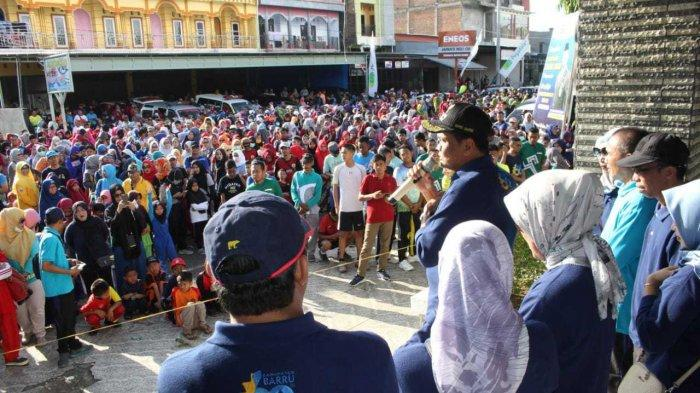 Ribuan Warga Meriahkan Jalan Santai Hari Jadi ke-60 Kabupaten Barru