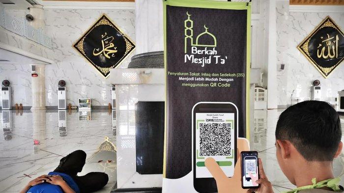 Foto: Program Berkah Masjid Ta Bank Sulselbar Syariah Permudah Jemaah Beramal Via Online