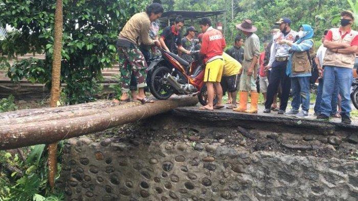Polisi Diminta Usut Penyebab Robohnya Jembatan Tamaona Bulukumba