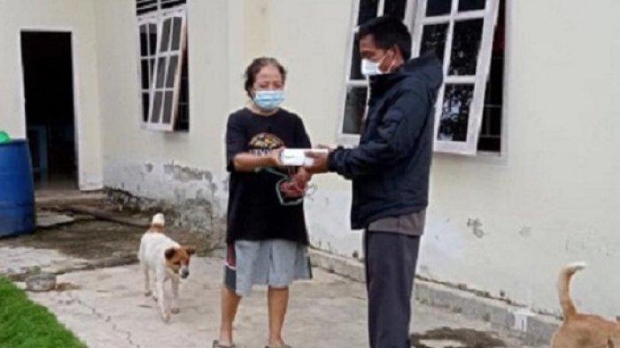 JET-Z Toraja Utara Berbagi Makan Siang untuk Warga Isoman