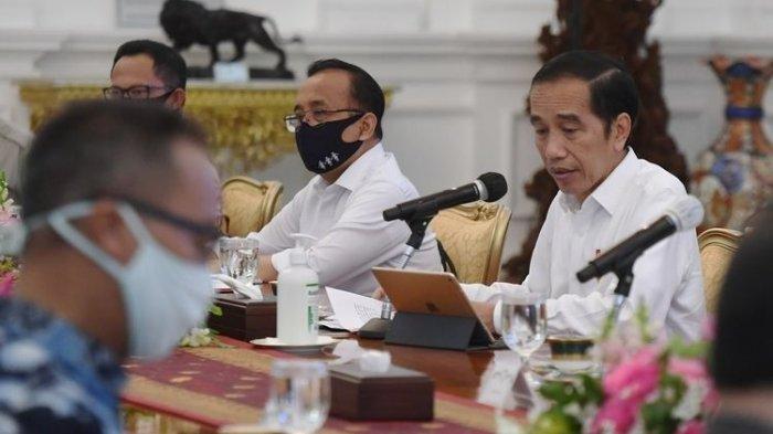 FAKTA Rencana Presiden Jokowi Bagi-bagi Uang Rp600 Ribu ke Pekerja Swasta, ini Syarat Mendapatkannya