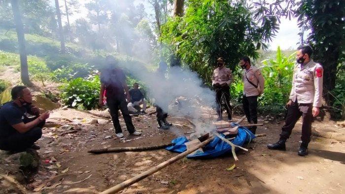 Gerebek Judi Sabung Ayam di Pakombong Bulukumba, Polisi Cuma Dapat 2 Ekor Ayam, Pelaku Kabur Duluan
