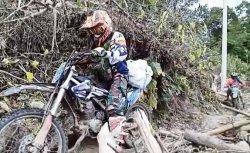 Komunitas Trail Kodim 1402 Polman Salurkan Bantuan Korban Gempa ke Daerah Terisolir Ulumanda