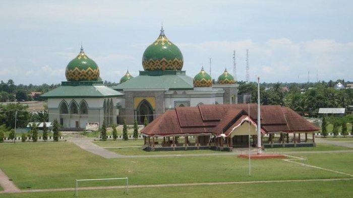 Basmin Mattayang Bakal Salat Iduladha di Masjid Agung Belopa, Syukur Bijak di Lapangan Batusitanduk