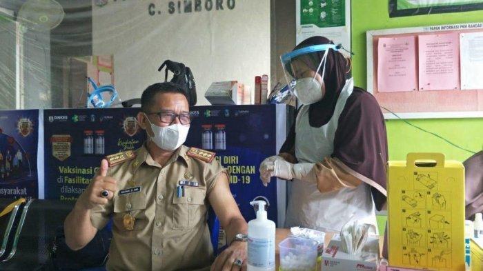 Kadis Kominfo Pejabat Pertama Pemprov Sulbar Divaksin Covid-19