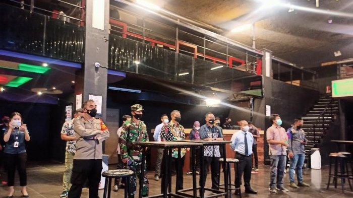 Kadis PMPTSP Makassar Tinjau Kesiapan Prokes D'Liquid