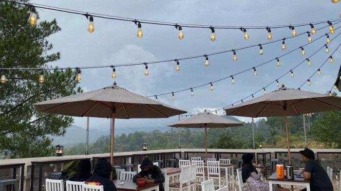 Nikmati Suki & BBQ di Kafe Titik Nol Malino yang Dikelilingi Pemandangan Pegunungan Bawakaraeng