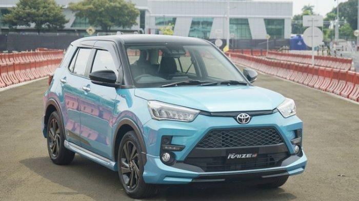 Toyota Raize GR. Varian teratas SUV Kompak dengan fitur keselamatan lengkap Toyota Safety Sense.