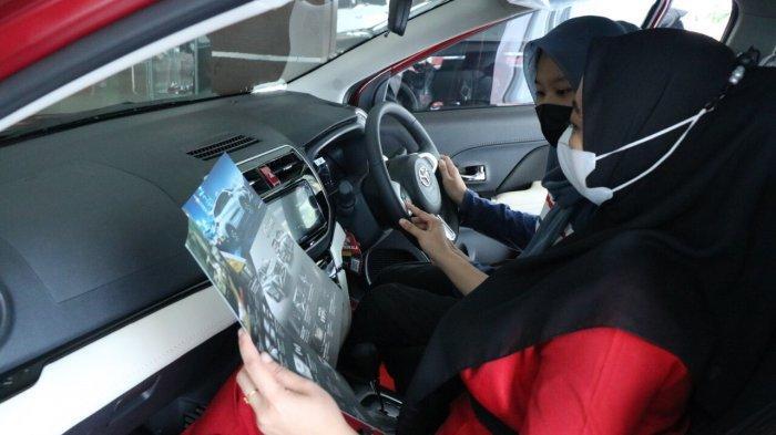Kalla Toyota konsisten memimpin pasar otomotif di Sulawesi Selatan hingga kuartal I 2021. Pencapaian tersebut tak lepas dari pelayanan terbaik dan berbagai kemudahan yang diberikan Kalla Toyota bagi pelanggan untuk bisa memiliki memiliki mobil impiannya.