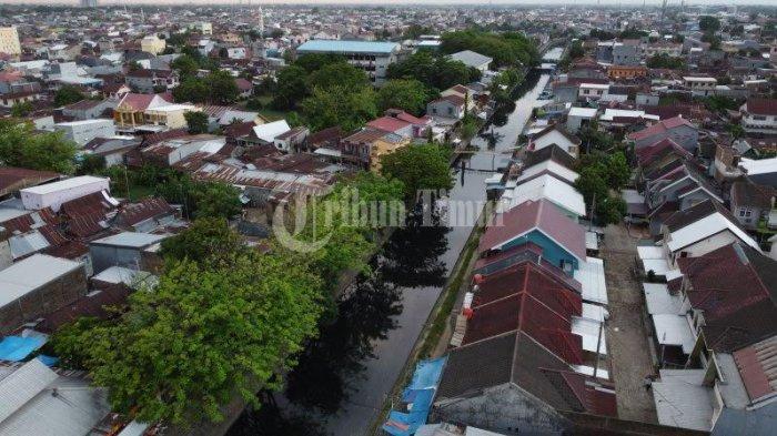 FOTO DRONE: Normalisasi Kanal Pa'baeng-Baeng Atasi Banjir - kanal-pabaeng-baeng-terekam-menggunakan-kamera-drone-3.jpg