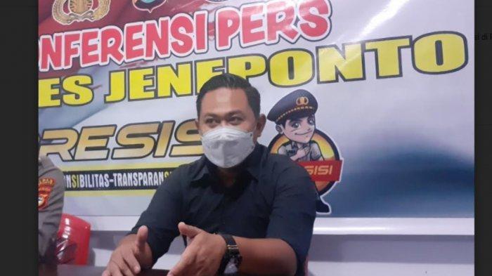 Dua Tersangka Penyebar Uang Palsu Ditahan di Mapolres Jeneponto, Tiga Saksi Diperiksa