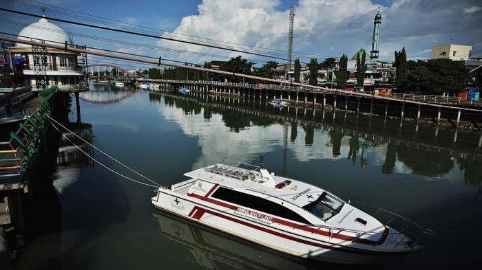 FOTO: Ambulans Laut Standbye di Sungai Pangkajene Pangkep