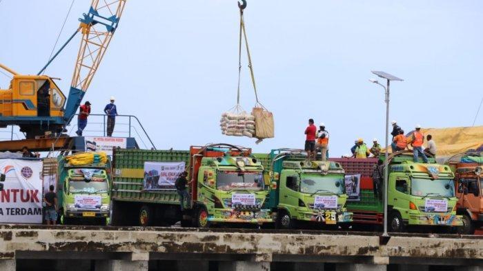 Gubernur Sulbar Sambut Kapal Kemanusiaan ACT, Bawa 1.000 Ton Beras untuk korban Gempa