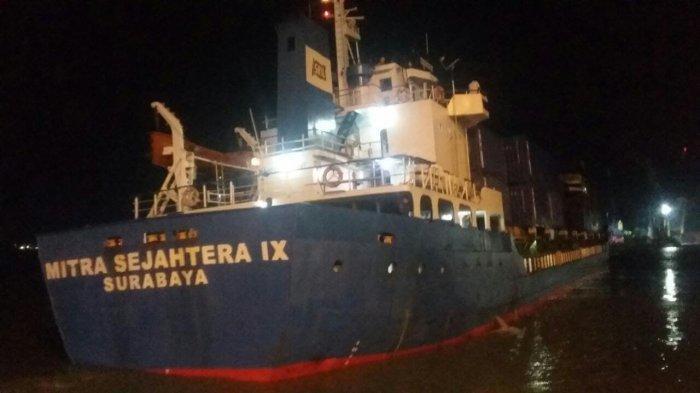 Angkut 147 Kontainer dari Surabaya ke Kendari, KM Mitra Sejahtera IX Tenggelam di Perairan Makassar