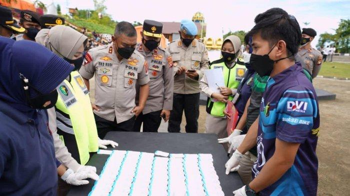 Ratusan Personel Polda Sulbar Jalani Tes Urine Mendadak