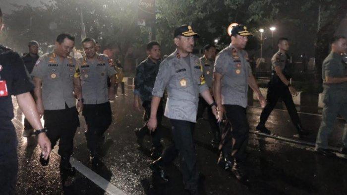 Aksi Kapolda dan Wakapolda Sulsel saat Malam Tahun Baru, Demi Keamanan Warga