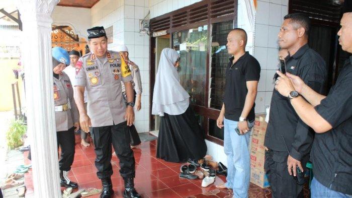 Kapolda Sulsel Melayat di Rumah Duka Purnawirawan Polri Maros