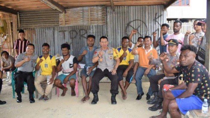 Temui Warga Papua, Kapolres; Jangan Khawatir Tinggal di Barru