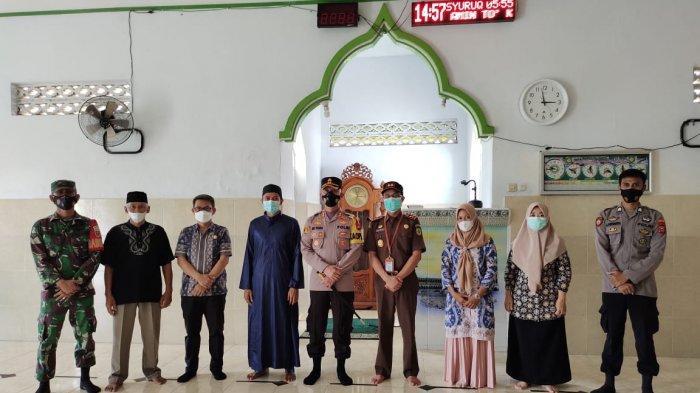 Cek Protokol Kesehatan Masjid, Kapolres Enrekang Tak Hentinya Sampaikan Tetap Diperhatikan