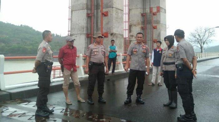 Warga Diminta Jauhi di Bantaran Sungai Jeneberang