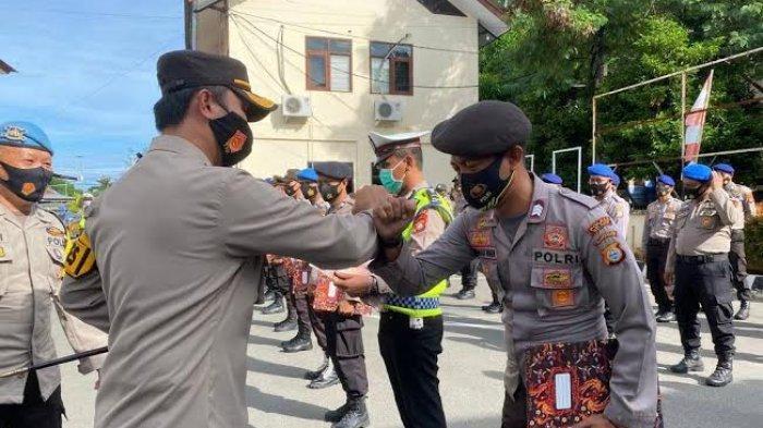 Berprestasi, 12 Personel Polres Selayar Terima Reward dari Kapolres