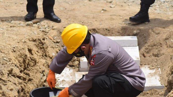 Kapolri Pimpin Peletakan Batu Pertama Pembangunan 50 Huntap Polda Sulbar