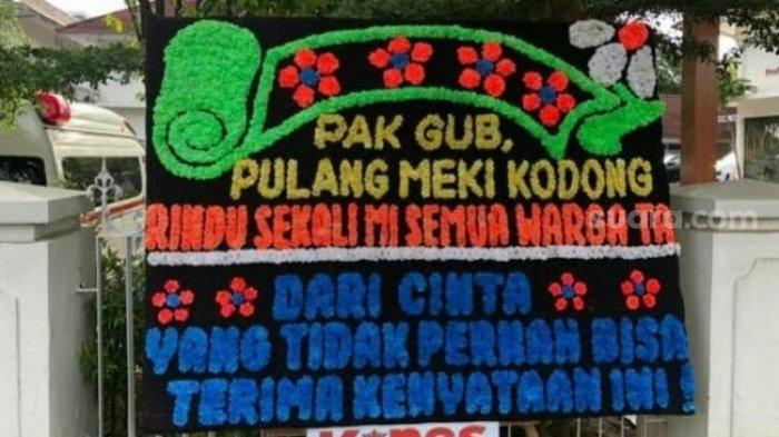 Karangan Bunga Misterius di Rujab Gubernur Sulsel, Pak Gub, Pulangmeki Kodong - Tribun Timur