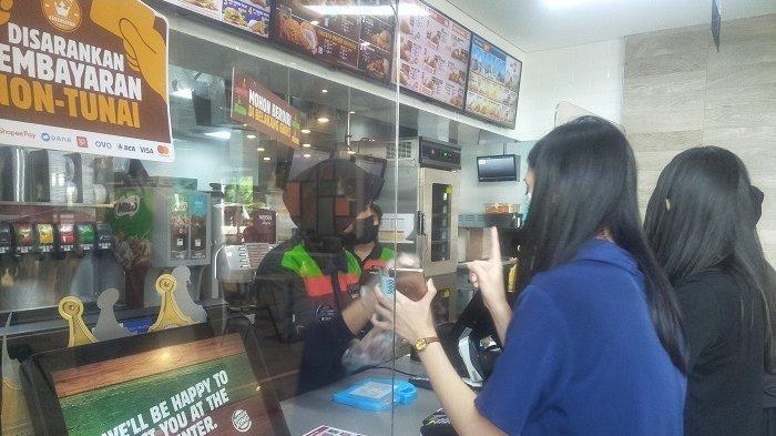 Fakta-fakta Burger King Makasar Mendadak Viral, Netizen Terharu Karyawan Banyak Berkebutuhan Khusus