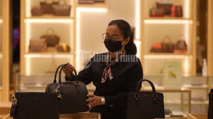 FOTO; Toko Bonia Hadirkan Diskon 40% di Nipah Mall