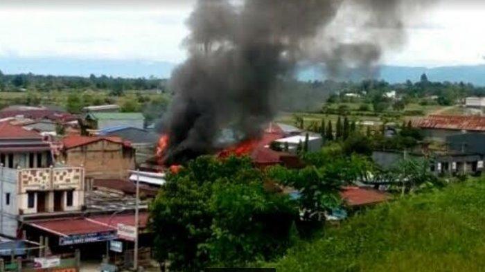 BREAKING NEWS: Kebakaran Terjadi di Komplek Pasar Santral Masamba