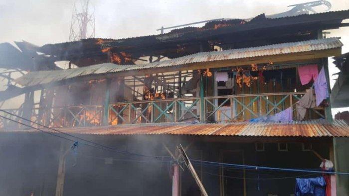 Kebakaran di Kompleks Pasar Sentral Masamba Hanguskan Satu Rumah Kontrakan